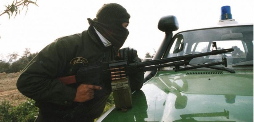 ALG< LA POLICE ALGERIENNE LUTTE CONTRE L  E TERRORISME